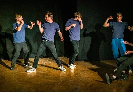 Improtheater Show Stabile Seitenlage - ZOOM